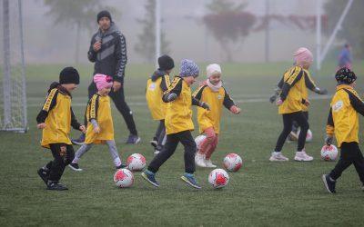 """""""Futboliuko"""" festivalis kvietė vaikus smagiai pajudėti"""